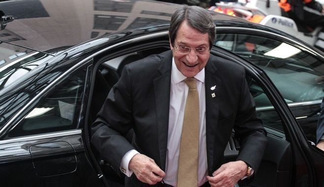 The President of Cyprus Nikos Anastasiadis arrives to the summit of the European Council in Brussels, Belgium, on October 19, 2017. /            , , , 19  2017.