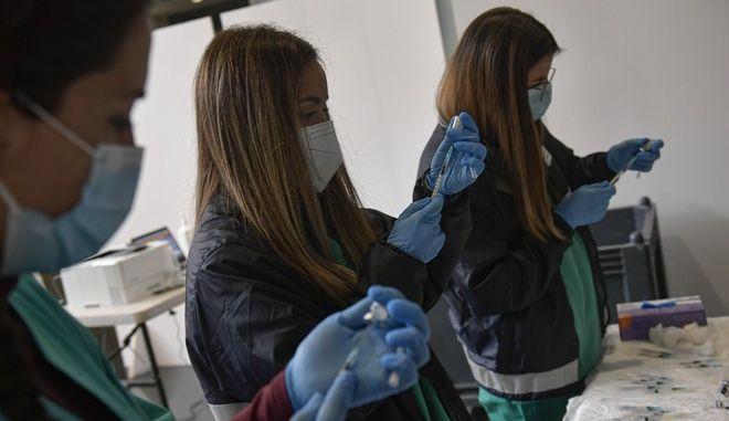 Εμβολιασμός κατά του κορονοϊού στην Ισπανία