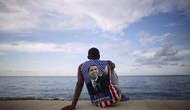 Σε νέα χαλάρωση των εμπορικών και ταξιδιωτικών κυρώσεων στην Κούβα προχώρησαν οι ΗΠΑ