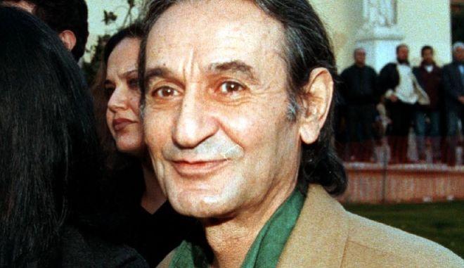 O Σωτήρης Μουστάκας το 1999.