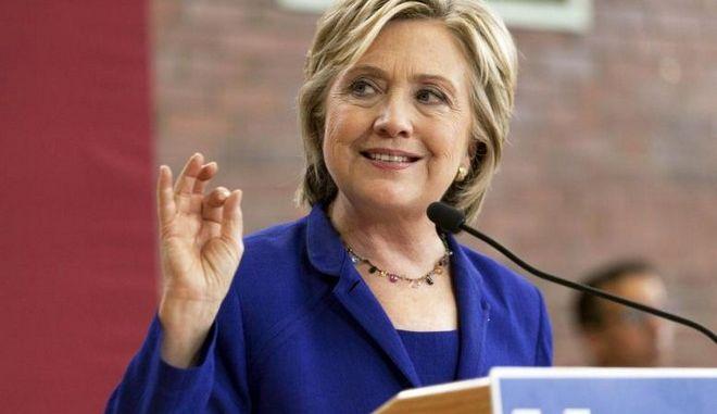 Αμερικανικές εκλογές: Στο 6% το προβάδισμα της Κλίντον, σύμφωνα με νέα δημοσκόπηση