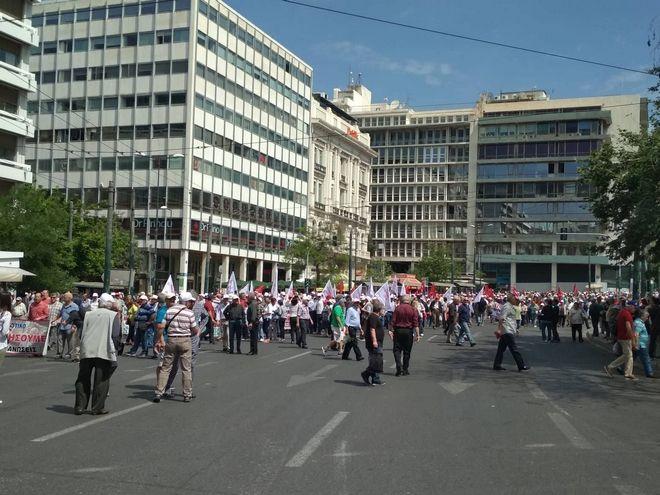 Συγκέντρωση και πορεία διαμαρτυρίας συνταξιούχων στο κέντρο της Αθήνας