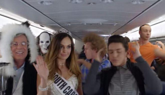 Αυτό είναι το safety video που θα σε κάνει να μην φοβάσαι τις πτήσεις