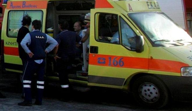 Μία γυναίκα νεκρή και δύο τραυματίες ο απολογισμός τροχαίου στην Κηφισίας