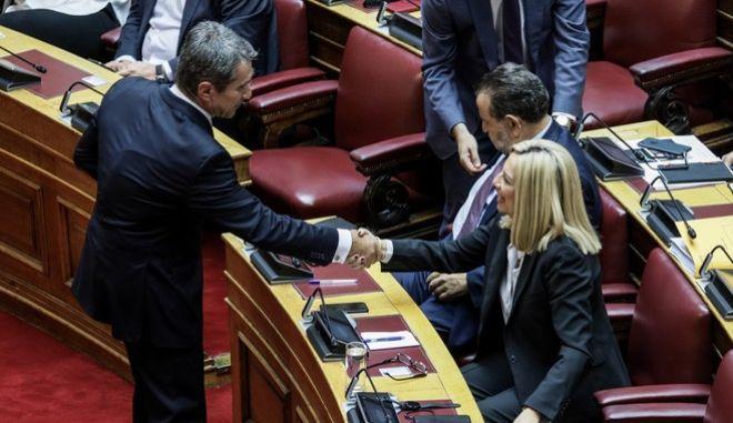 """Η Φώφη Γεννηματά """"καθαίρεσε"""" τον Λοβέρδο από κοινοβουλευτικό εκπρόσωπο"""