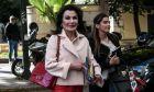 """Η Γιάννα Αγγελοπούλου φθάνει στα γραφεία του ΣΥΡΙΖΑ για την συνάντηση της με τον πρόεδρο του ΣΥΡΙΖΑ, Αλέξη Τσίπρα, προκειμένου να τον ενημερώσει για την έναρξη των εργασιών της Επιτροπής """"Ελλάδα 2021""""."""