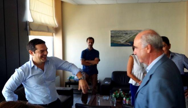 Debate στο αεροδρόμιο Ηρακλείου για Τσίπρα και Μεϊμαράκη
