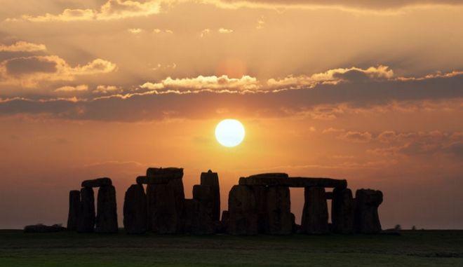 Χειμερινό ηλιοστάσιο στο Stonehenge.