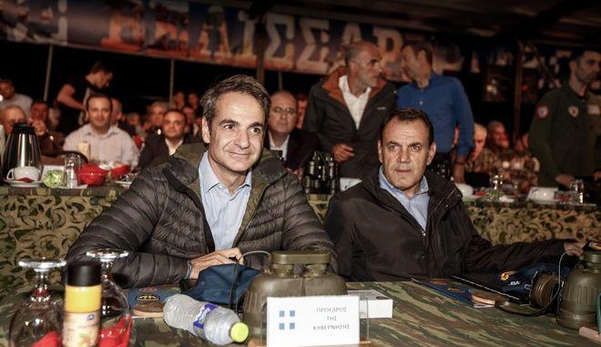 Ο Πρωθυπουργός Κυριάκος Μητσοτάκης με τον Υπουργό Εθνικής Άμυνας Νίκο Παναγιωτόπουλο (φωτογραφία αρχείου)