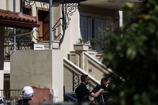 Εικόνα από το σπίτι που δολοφονήθηκε η 20χρονη μητέρα στα Γλυκά Νερά
