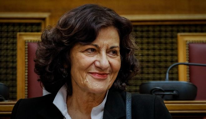 Η αναπληρώτρια υπουργός Κοινωνικής Αλληλεγγύης ,Θεανώ Φωτίου