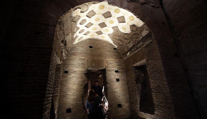 """Στο φως άγνωστη αίθουσα του """"Χρυσού Οίκου"""" του Νέρωνα στη Ρώμη"""