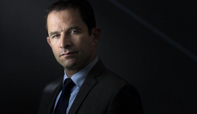 Γαλλικές εκλογές: Σοσιαλιστές και συντηρητικοί στηρίζουν Μακρόν