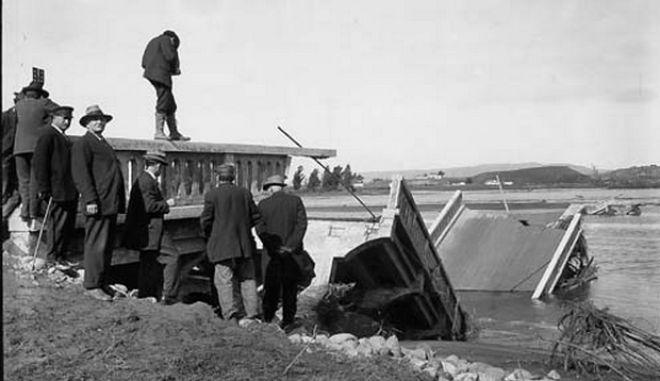 Μηχανή του Χρόνου: Ο βροχοποιός που προκάλεσε φυσική καταστροφή με νεκρούς και κατολισθήσεις