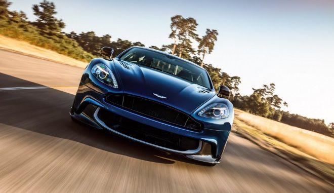 Η αγαπημένη μάρκα αυτοκινήτου του James Bond φλερτάρει με τις αγορές