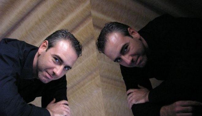 Ο πιανίστας Χαράλαμπος Αγγελόπουλος