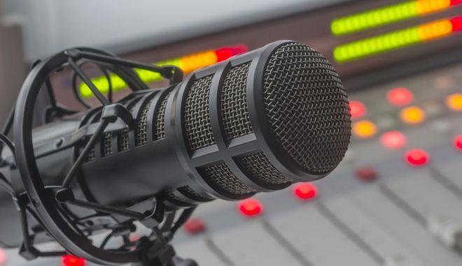 Στιγμιότυπο από στούντιο ραδιοφώνου