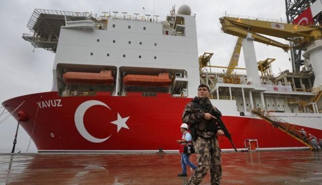 """Τουρκία: """"Απαντά"""" σε Ελλάδα-Γαλλία με άσκηση νότια της  Κρήτης"""