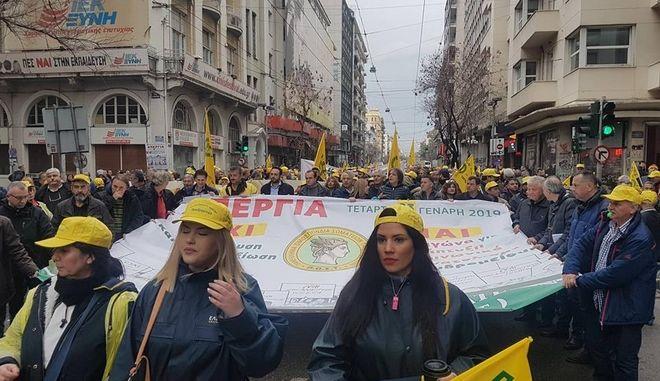 """Σε 24ωρη απεργία οι ταχυδρομικοί υπάλληλοι: """"Απολύσεις και κλείσιμο καταστημάτων"""""""