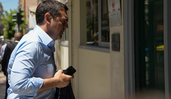 Ο Αλέξης Τσίπρας στα γραφεία του ΣΥΡΙΖΑ. Φωτογραφία αρχείου.