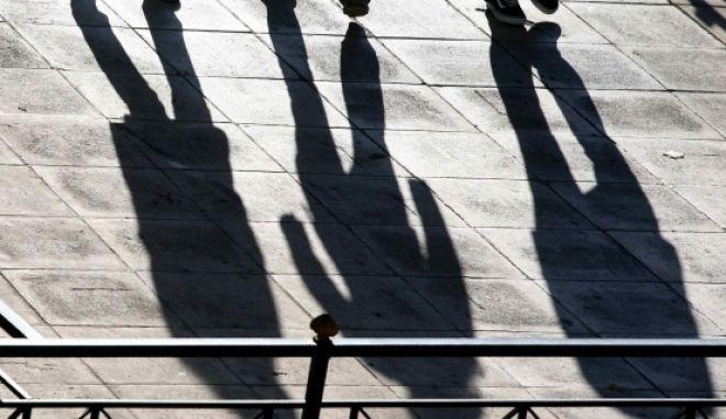 """Οι """"δεξαμενές"""" των απολύσεων: Ποιοι φεύγουν από το Δημόσιο το 2014"""