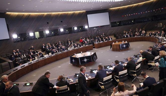 Στιγμιότυπο από τη συνεδρίαση του ΝΑΤΟ στις Βρυξέλλες