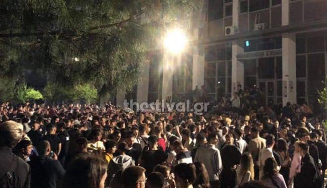 Θεσσαλονίκη: 19χρονη σε πάρτι στο ΑΠΘ έπεσε σε φρεάτιο και έμεινε λιπόθυμη για μια ώρα