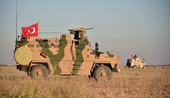 Όχημα του τουρκικού στρατού στο συριακό έδαφος