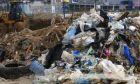 Σχεδόν 230.000 τόνοι πλαστικών καταλήγουν στη Μεσόγειο κάθε χρόνο