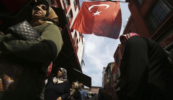 Τουρκία: Καταπέλτης τα σχόλια των διεθνών παρατηρητών για το δημοψήφισμα