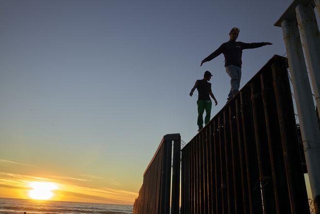 Στιγμιότυπο από το καραβάνι των μεταναστών από την Ονδούρα