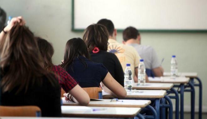 Αναστολή του ΦΠΑ 23% για όλους στην εκπαίδευση θα εξαγγείλει ο Τσίπρας
