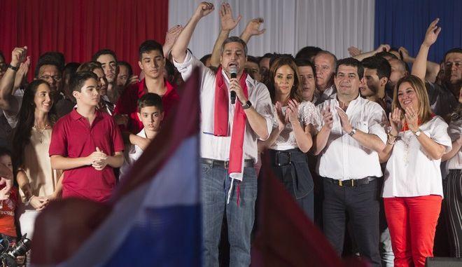 Ο Μάριος Άμπντο Μπενίτες αναδείχθηκε νικητής των προεδρικών εκλογών που διεξήχθησαν τη Κυριακή στη Παραγουάη