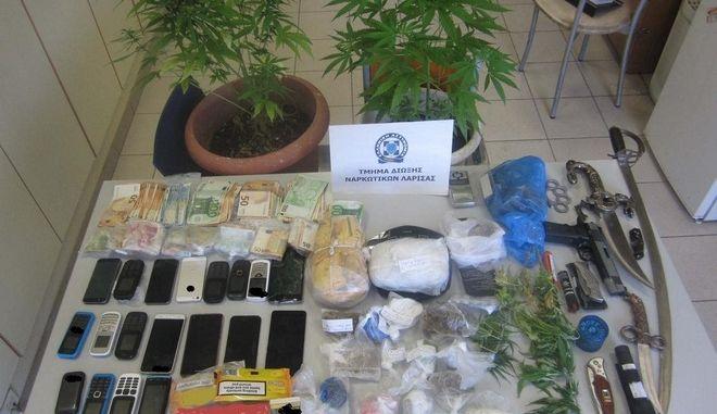 Εξαρθρώθηκε κύκλωμα που διακινούσε κάνναβη, ηρωίνη και κοκαΐνη στη Θεσσαλία