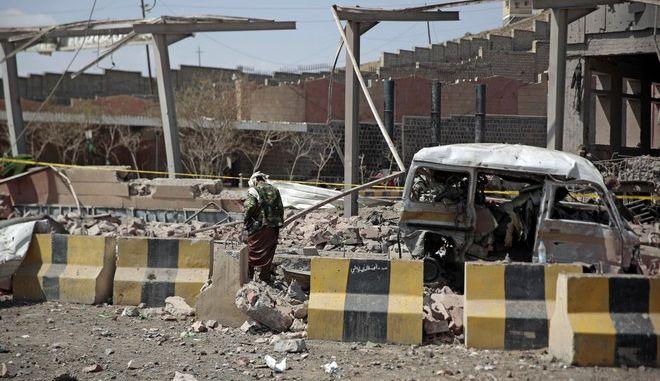 φωτογραφία αρχείου από προηγούμενη αεροπορική επιδρομή στην Υεμένη στις 4 Φεβρουαρίου 2018