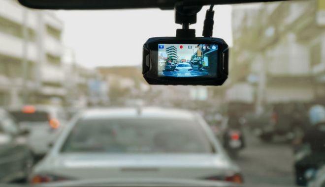 Αυτοκίνητο με κάμερα. Φωτο αρχείου.