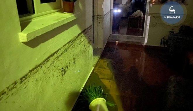 Κακοκαιρία Γηρυόνης: Συγκλονίζει ο θάνατος της ηλικιωμένης στη Ρόδο - Πνίγηκε στο κρεβάτι της