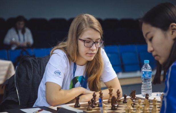 Παγκόσμια πρώτη στο σκάκι η 16χρονη Σταυρούλα. Το δικό μας παιδί θαύμα