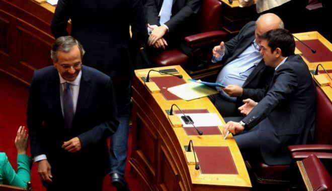 Στιμιότυπο από την συνεδριαση τησ ολομέλειας της βουλής για την εκλογή νέου Προέδρου και Αντιπροέδρων,Κυριακή 4 Οκτωβρίου 2015 (EUROKINISSI/ΓΙΑΝΝΗΣ ΠΑΝΑΓΟΠΟΥΛΟΣ)