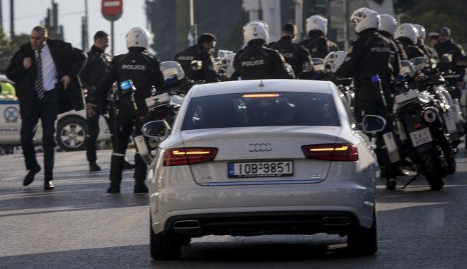 Έκτακτα μέτρα και ειδικές κυκλοφοριακές ρυθμίσεις στην πλατεία Συντάγματος από την Ελληνική Αστυνομία λόγω της επίσκεψης του προέδρου του Ισραήλ Ρεουβέν Ριβλίν. (EUROKINISSI/ΓΙΑΝΝΗΣ ΠΑΝΑΓΟΠΟΥΛΟΣ)