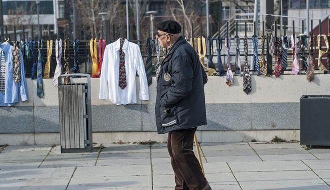 Γιάννης κερνάει, Γιάννης πίνει - Ο πρωθυπουργός του Κοσόβου διπλασίασε το μισθό του