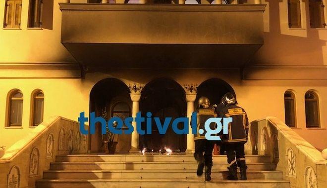 Θεσσαλονίκη: Αναρχικοί ανέλαβαν την ευθύνη για την επίθεση στη Μητρόπολη Νεαπόλεως