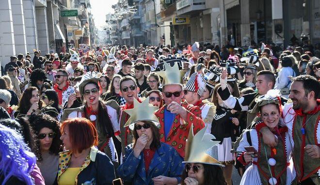 Παρέλαση καρναβαλιστών στην Πάτρα
