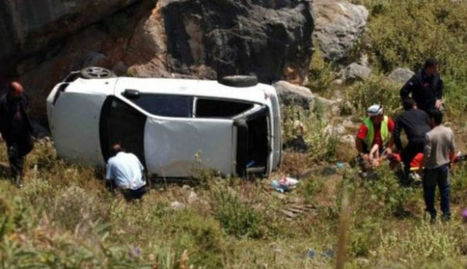 Κρήτη: Αυτοκίνητο έπεσε σε γκρεμό- Επιχείρηση απεγκλωβισμού επιβάτη