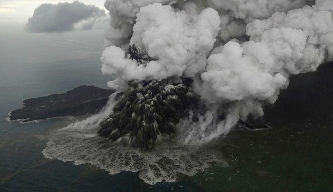 Ινδονησία: Το ηφαίστειο Ανάκ Κρακατόα