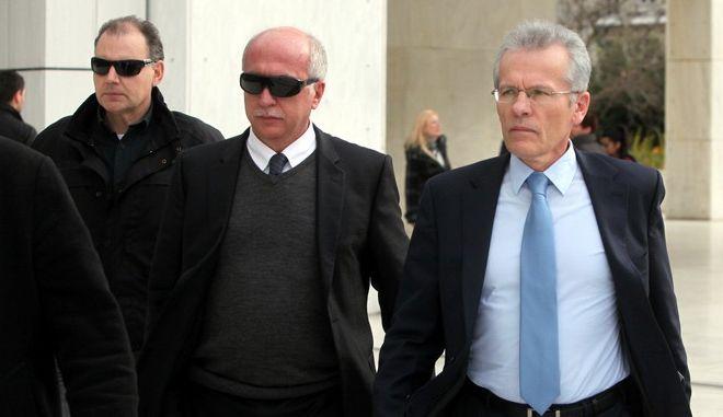 ΑΘΗΝΑ-στον αντεισαγγελέα του Αρείου Πάγου οι δύο οικονομικοί εισαγγελείς Γρηγόρης Πεπόνης και Σπύρος Μουζακίτης, Δευτέρα9 Ιαν. 2012. (EUROKINISSI-ΓΕΩΡΓΙΑ ΠΑΝΑΓΟΠΟΥΛΟΥ