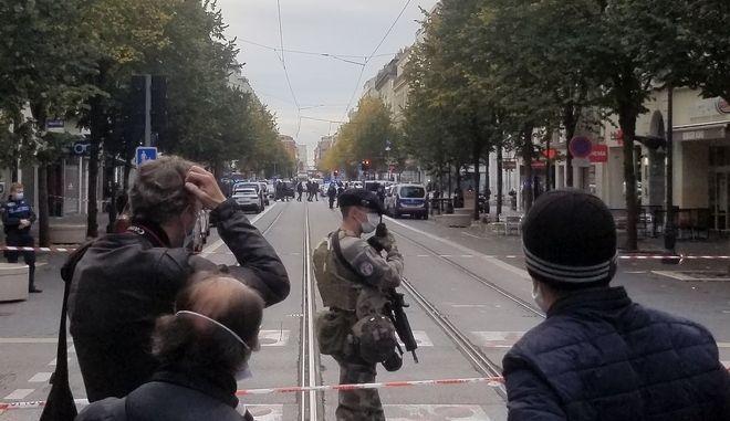 Γαλλία-Νίκαια: Τρεις νεκροί σε τρομοκρατική επίθεση στον Καθεδρικό - Πληροφορίες για αποκεφαλισμό