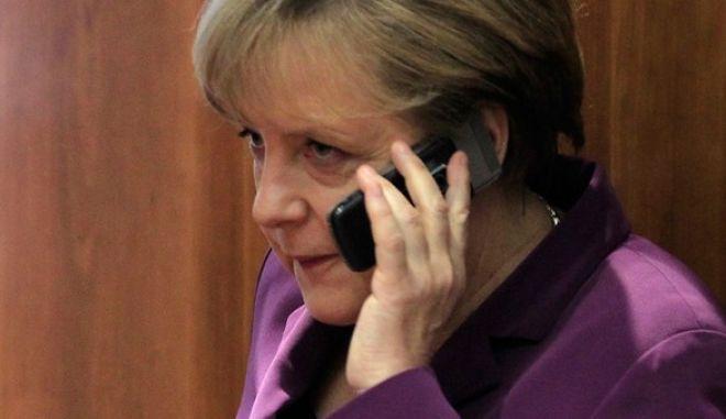 Στο αρχείο η υπόθεση παρακολούθησης του κινητού της Μέρκελ