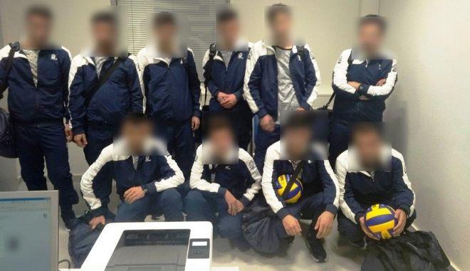 Σύροι προσποιήθηκαν τους αθλητές Βόλεϊ στο αεροδρόμιο