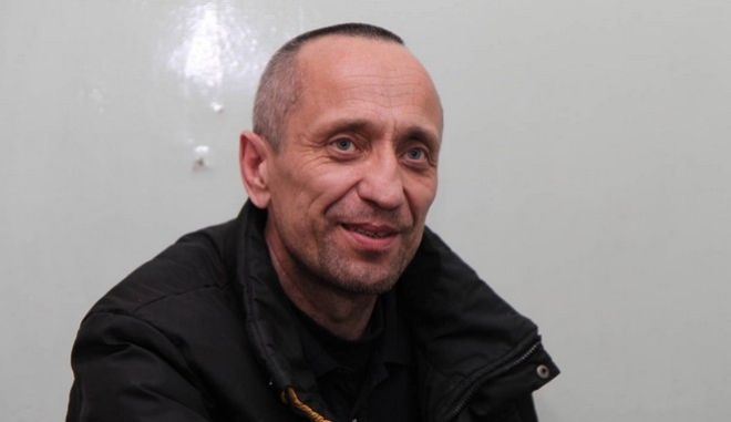 O Μιχαήλ Ποπκόφ άρχισε τη δράση του, αφότου συνέλαβε τη σύζυγο του να τον απατά. Εκείνη του έδωσε δυο φορές άλλοθι -κάτι που στοίχισε τη ζωή δεκάδων γυναικών.